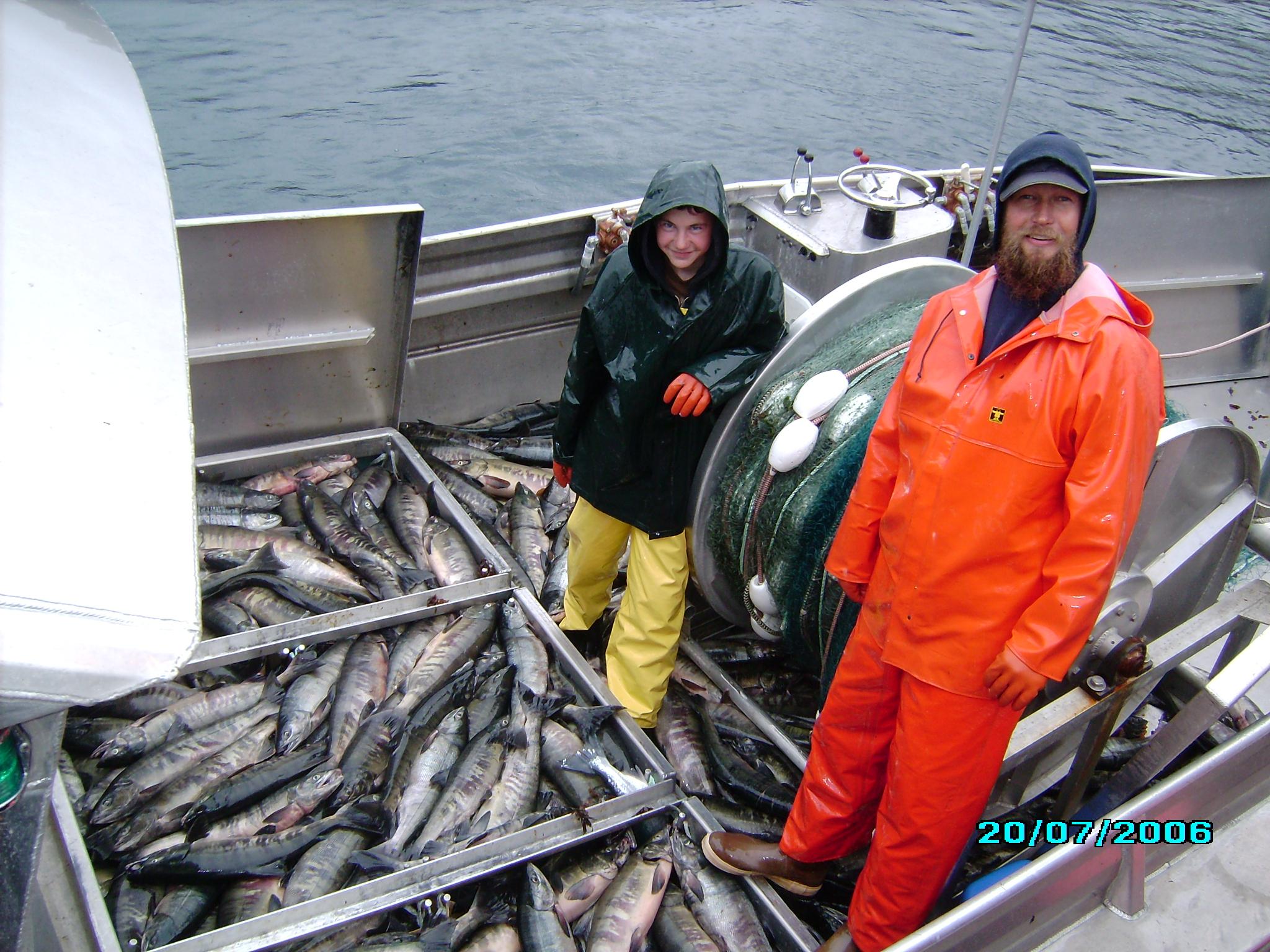 Fishing in alaska salmon 101 for Fishing boat jobs